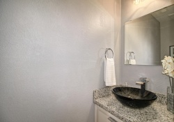 Dunnigan Realtors Downtown 2 Bedrooms, Condominium, Sold Listings, 15th, 1 Bathrooms, Listing ID 1142, Sacramento, Sacramento, California, United States, 95814,