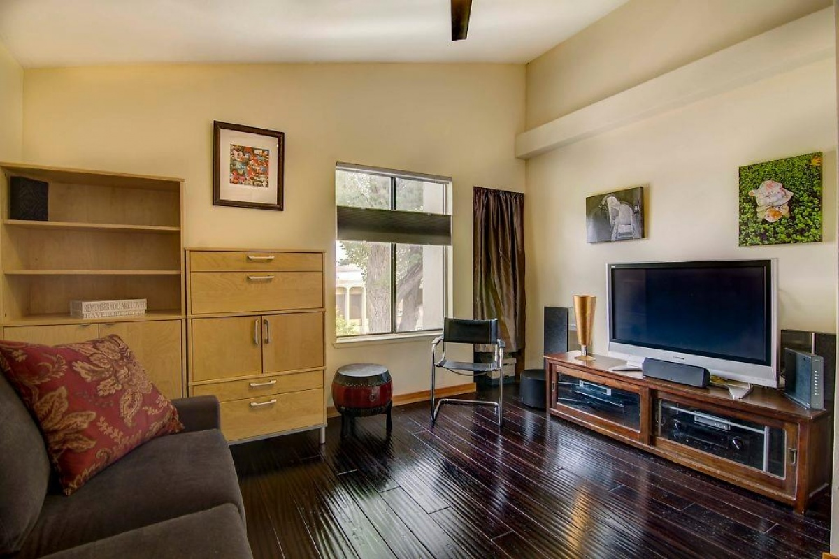 Dunnigan Realtors Downtown/Midtown 1816 K Street #L3, Sacramento, California, United States 95811, 2 Bedrooms Bedrooms, ,2 BathroomsBathrooms,Condominium,Sold Listings,K Street #L3,1212