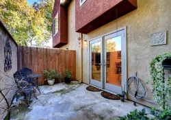 Dunnigan Realtors Donwtown 2 Bedrooms, Condominium, Sold Listings, Q Street, 1 Bathrooms, Listing ID 1061, Sacramento, Sacramento, California, United States, 95811,